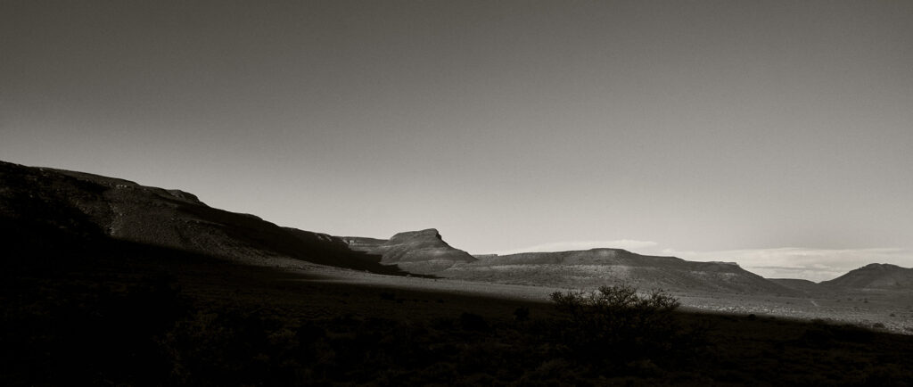 A special afternoon in the Molteno pass with a sunset behind the Nuweveld Mountains